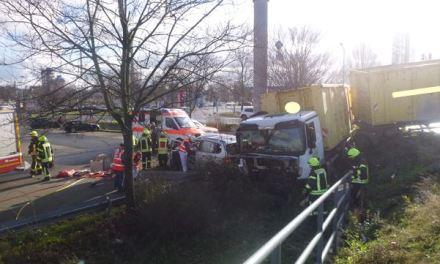 Rotlicht missachtet – Schwerer Verkehrsunfall auf der B9 bei Worms