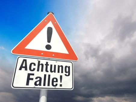 Schild Achtung Falle!