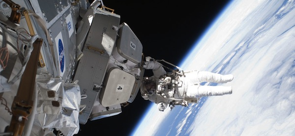 Astronaut Nicholas Patrick working outside the ISS's window on the world. (Image: NASA)