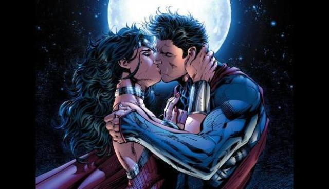 A kiss with consequences. / Image: Copyright DC Comics