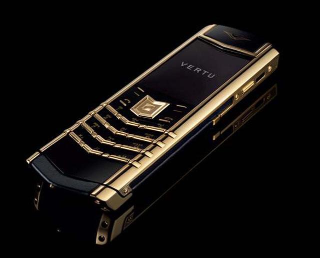 Hasil gambar untuk Vertu gold phone
