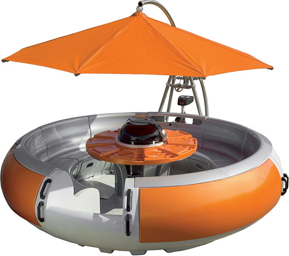 irev - Donut-Shaped Party Boat