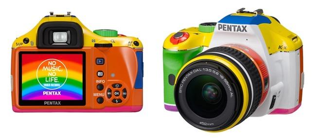 Pentax K-x rainbow edition bidro ikke akkurat til å heve inntrykket av Pentax som en seriøs kameraprodusent.