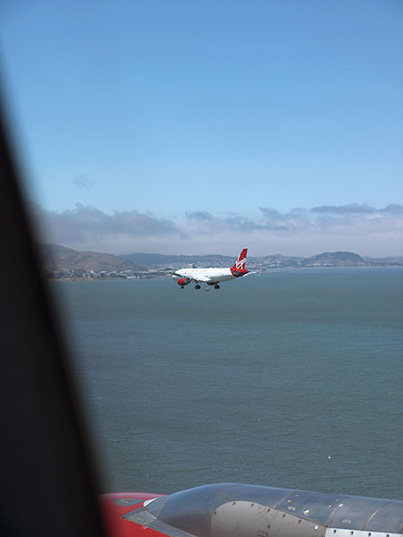 Virgin America flight from JFK landing at SFO