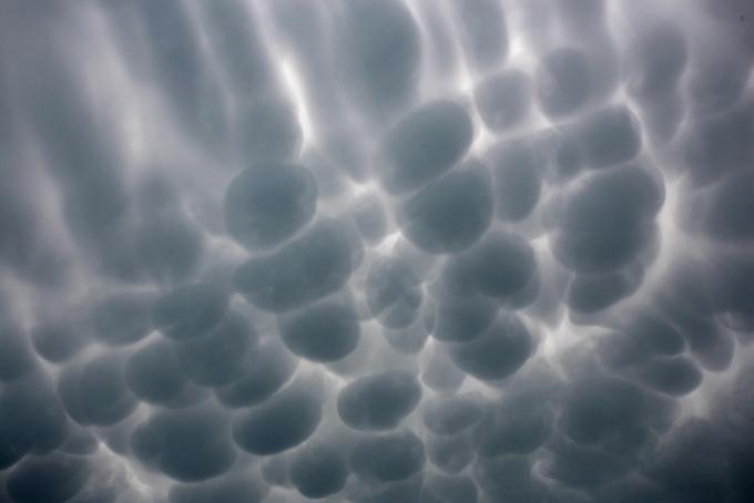 clouds 2a 8 Bentuk awan yang  menakutkan