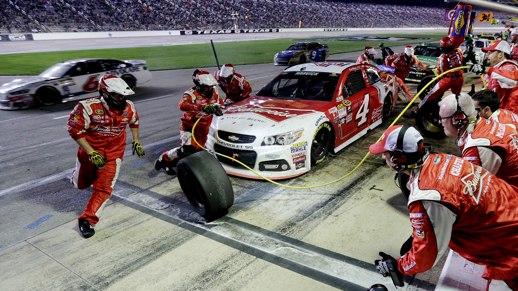 The Elegant Sweaty Art Of A Nascar Pit Stop Wired