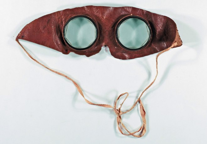 A blindfold that allows the wearer to see, worn by members of the Oculists.