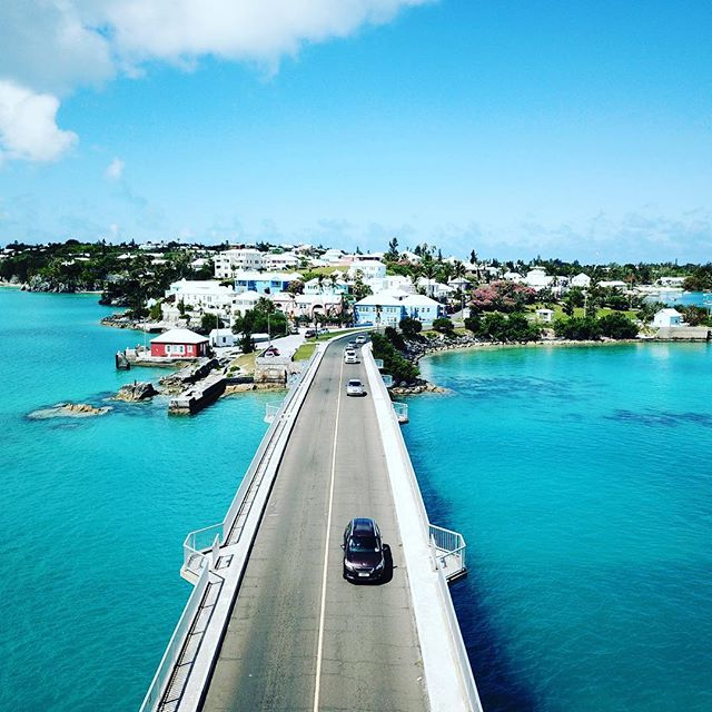 Bermuda in the West End is spectacular on a sunny Tuesday in May with @bermudaaerialmedia