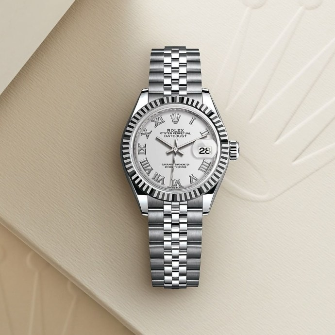 Repost from @crissonjewellersbermuda  The classic feminine watch. The Rolex Lady-Datejust in Oystersteel and white gold, 28 mm case, white dial, a Jubilee bracelet.  For More Information: Email: info@crisson.com Phone: 441-295-2351