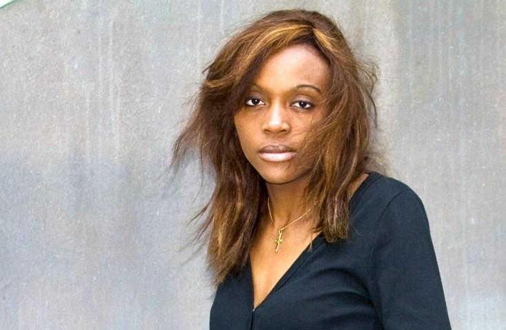 Osvalde Lewat-Hallade (Camerún, 1976), es reconocida como una de las directoras de documental más rupturistas de los últimos años.