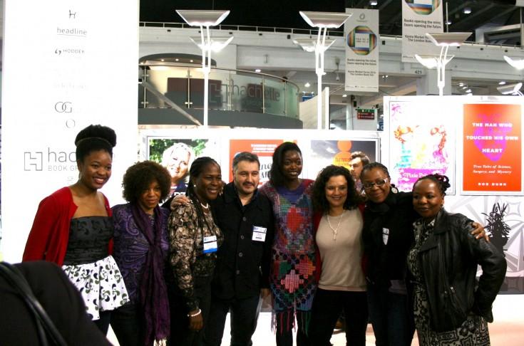 Foto de familia durante la presentación de la publicación de Africa39 en Londres. Foto: Hay Festival