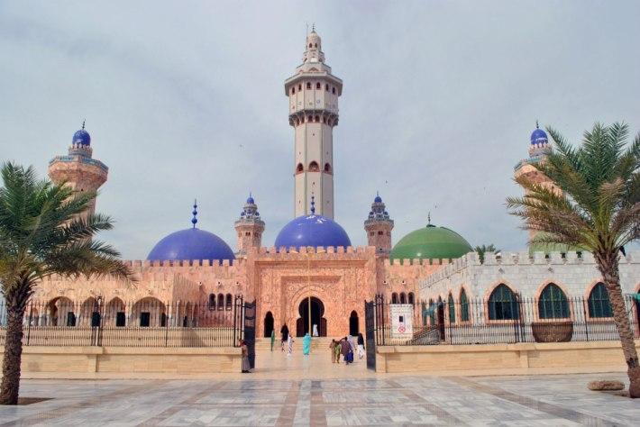 Tuba, la mezquita más grande del mundo negro. Foto: Sebastián Ruiz.