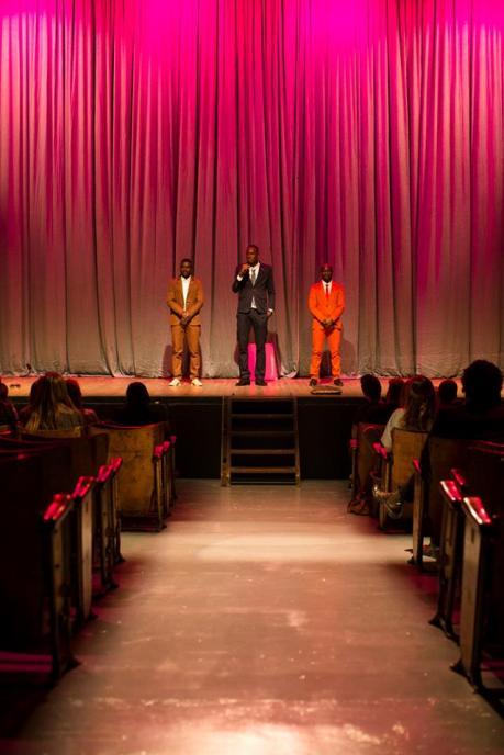 Star Biy Productions examina la mente de inmigrantes africanos europeos mientras intentan mejorar sus vidas. Foto: Koen Broos