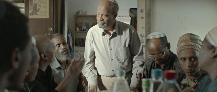 Fotograma de la película Red Leaves del etíope Bazi Gete.