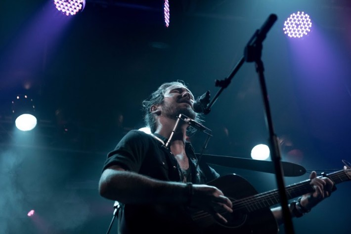 Jeremy Loops durante su actuación en The Electric Ballroom de Londres / Foto: Dan Carter
