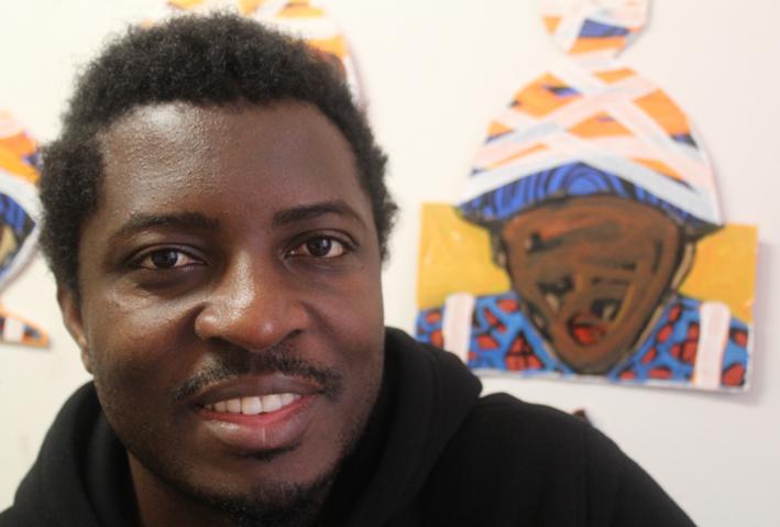 El artista ruandés-ugandés Collin Sekajugo. Foto: Carlos Bajo