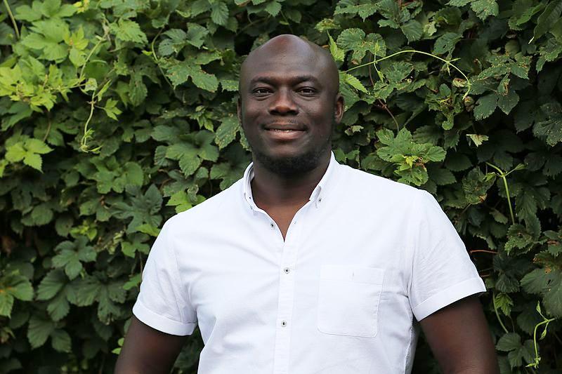 El escritor nigeriano Elnathan John. Foto: Elnathan John (CC)