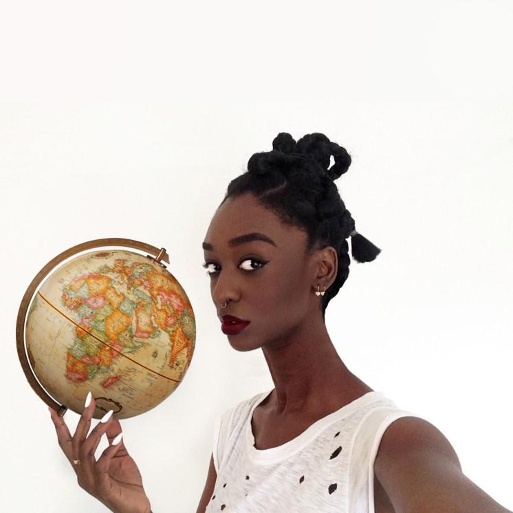 De la serie de selfies #AlienEdits, de Loza Maléombho.