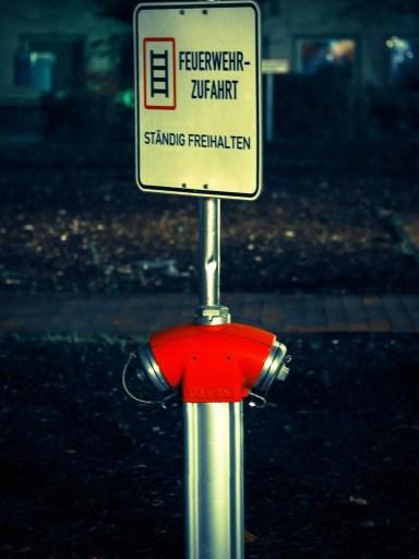 Verkehrsschild Feuerwehrzufahrt
