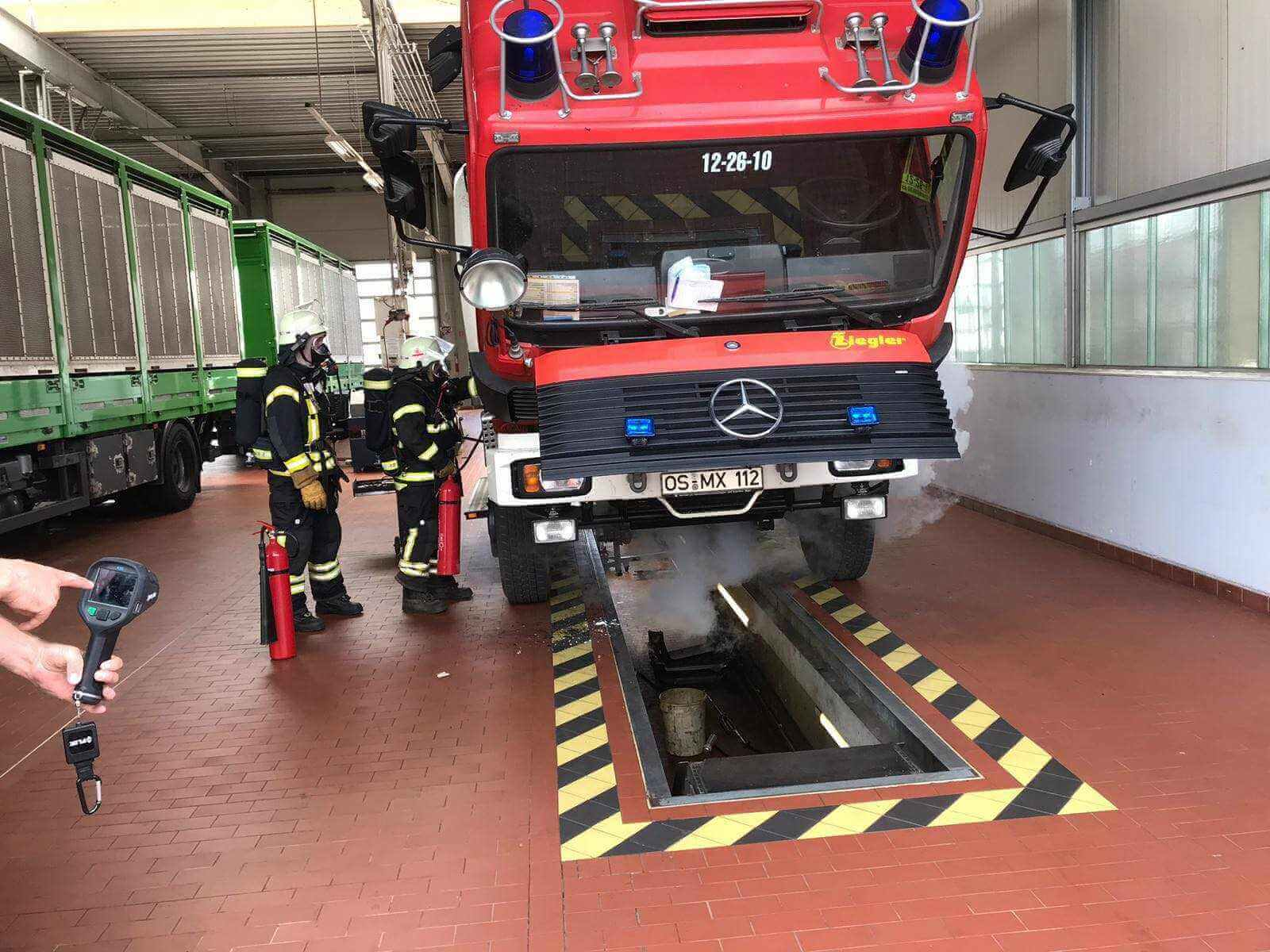 Feuerwehr muss eigenes Fahrzeug löschen