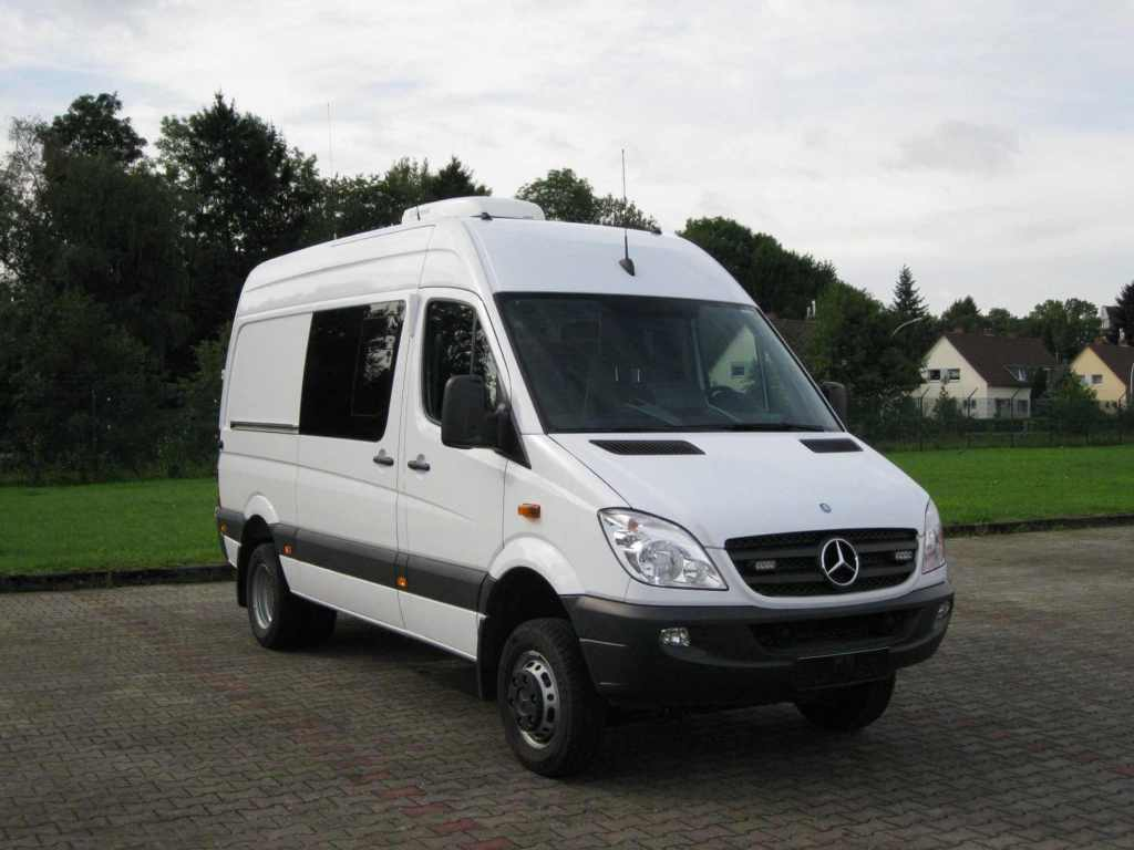 Einsatzleitwagen der Analytischen Task Force (Fahrzeug: Mercedes-Benz Sprinter 516 CDI; Aufbau: Baumeister und Trabandt GmbH), Quelle: BBK