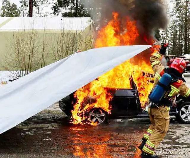Löschdecke für Fahrzeugbrände