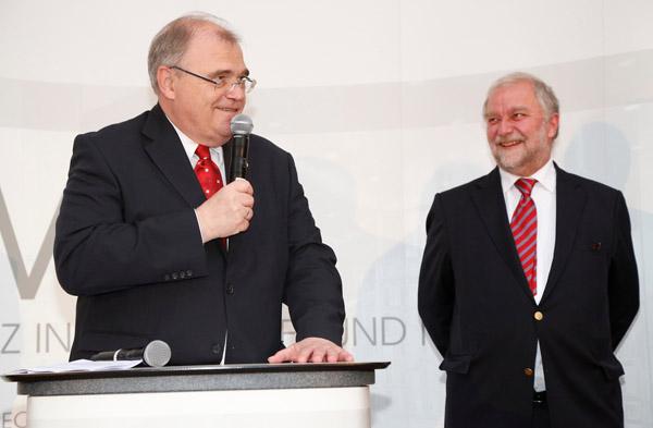 v.l.n.r.: Wolfgang Brandstetter (Justizminister Univ.-Prof. Dr. Wolfgang Brandstetter), Georg Karasek (Rechtsanwalt Dr. KWR)