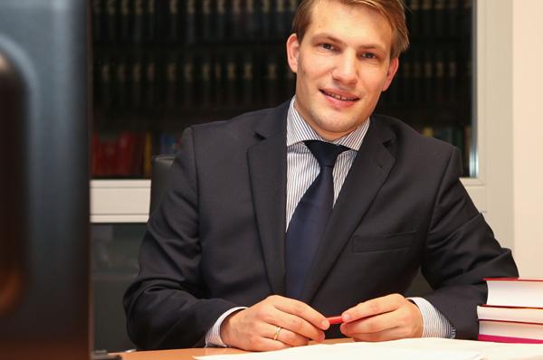 Dr. Johannes Neumann