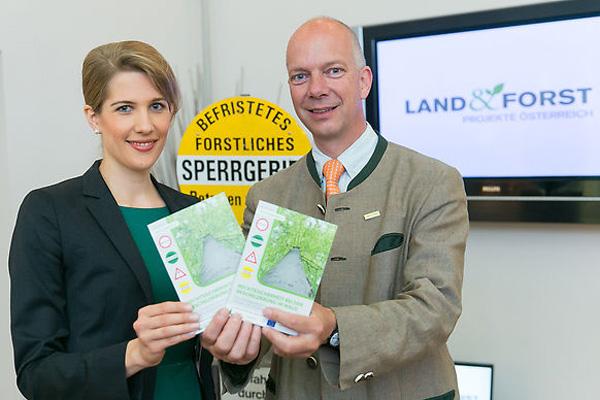 Stefanie Wieser, Juristin der Land&Forst Betriebe Österreich, Autorin; DI Felix Montecuccoli, Präsident der Land&Forst Betriebe Österreich.