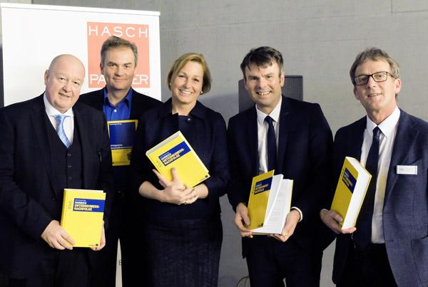 Buchpräsentation Handbuch Unternehmensnachfolge
