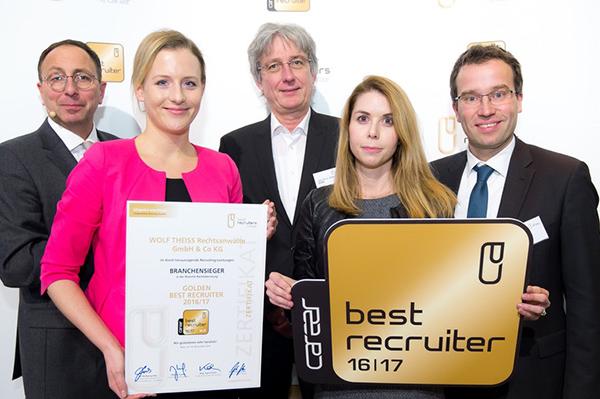 Verleihung des Best Recuiter-Zertifikates an Michaela Schlader, Recruiting & HR Marketing bei Wolf Theiss und Katharina Sorger, Recruiting Wolf Theiss