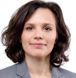 Molly Kos wird Rechtsanwältin bei CMS in Wien