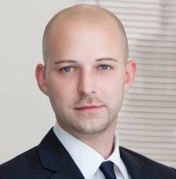 Maximilian Höltl ist neuer Anwalt bei BINDER GRÖSSWANG