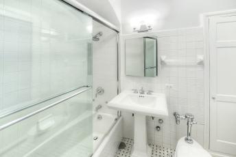 14D-M-bath-1
