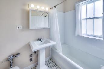 914_5 Judson bath 1