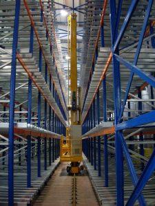 Trasloelevatore pallet per magazzini automatici