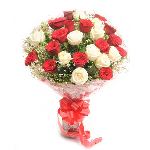 Beauty In Thirty 30 Red And White Roses