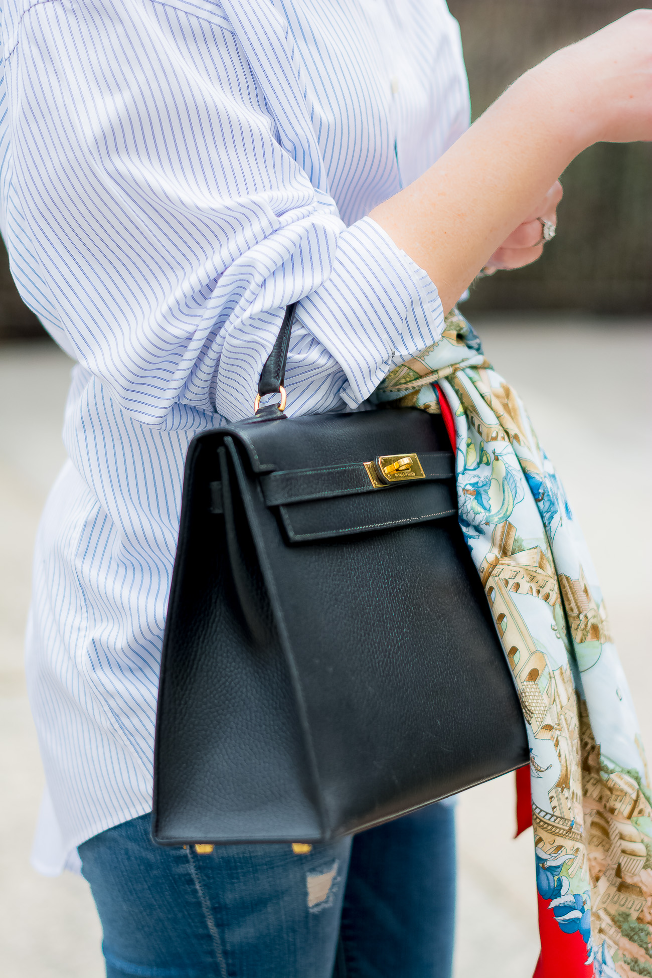 -hermes-kelly-bag-casual-outfit-hermes-vintage-scarf-oversized-pinstripe-button-down-distressed-classic-casual