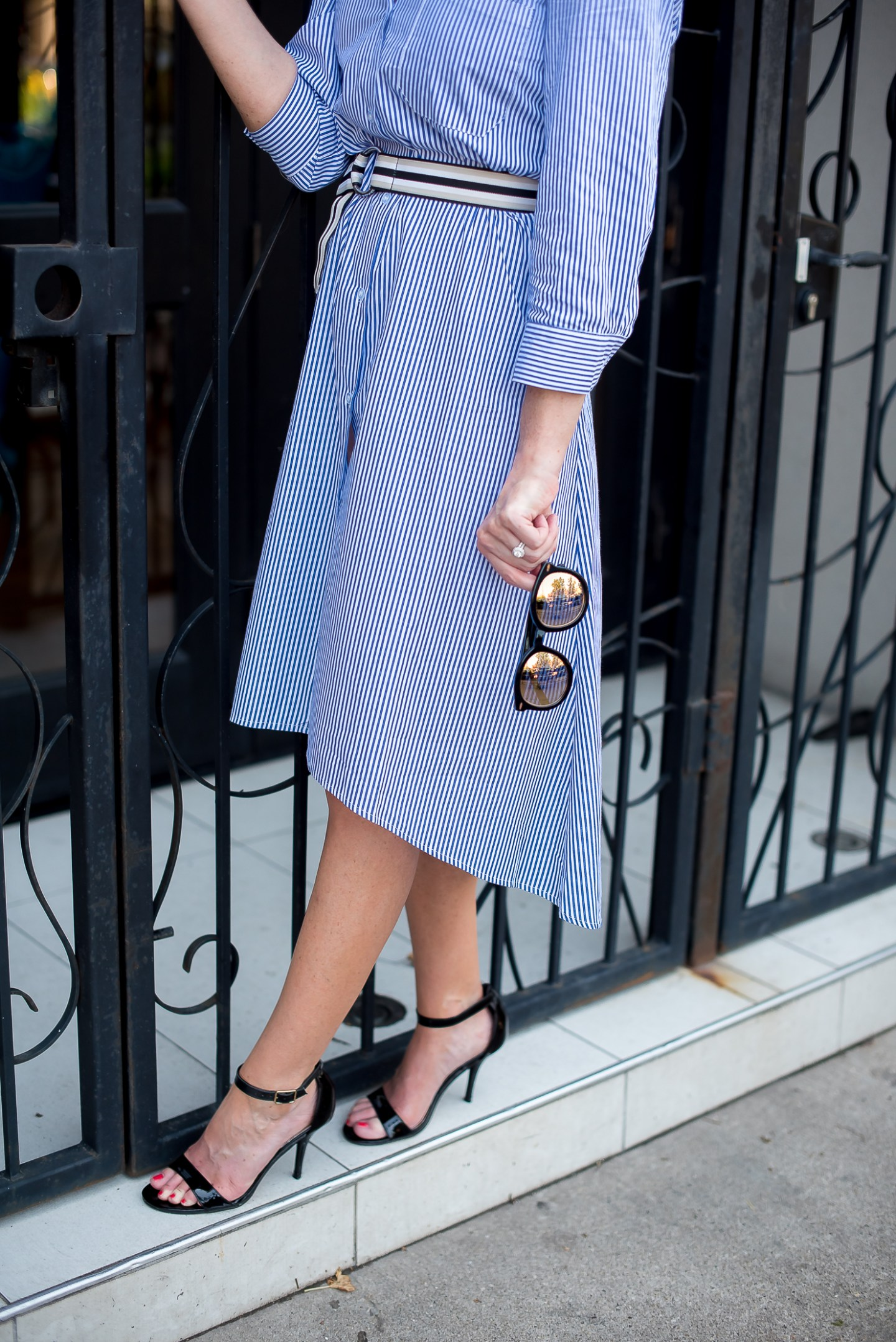 shein-blue-and-white-striped-shirtdress-french-cafe-iced-green-chai-tea-latte
