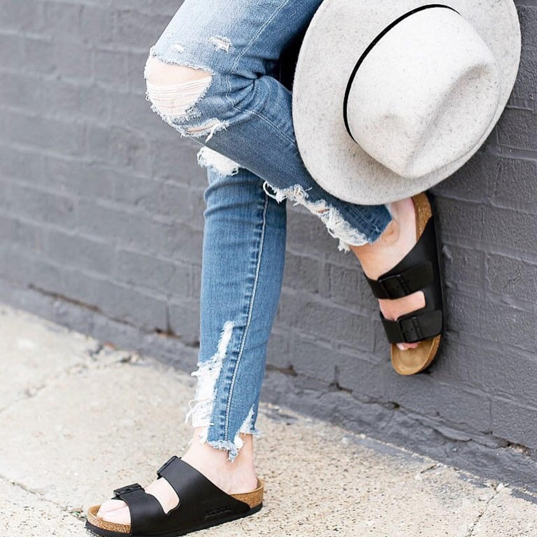shredded-american-eagle-high-rise-skinny-jeans-birkenstocks-how-to-style-birkenstocks