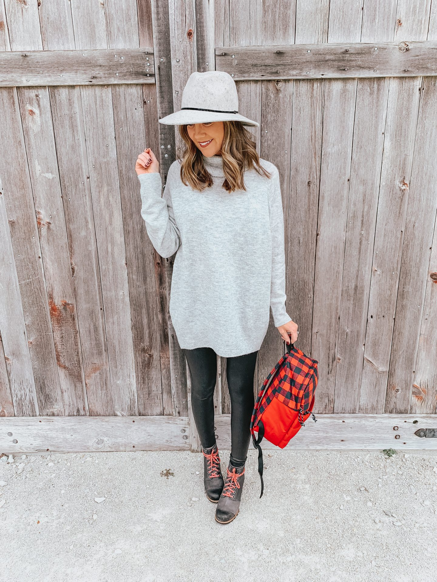 how to reduce PMS, Give Back and Give Thanks in November, end period poverty, access to period supplies, women in need, U by kotex, how to dress cute and stay warm, a cute and cozy travel outfit, faux leather leggings, tunic turtleneck sweater