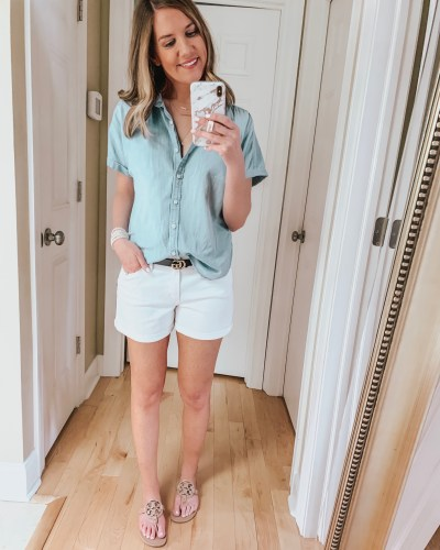 nine ways to style white shorts, chambray top