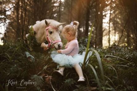 Kiwi Captures Unicorn Photo Shoot