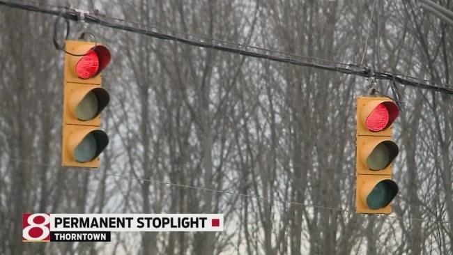 Stoplight to stay_313064
