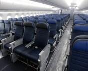 airplane-seating-flight-legroom_666949