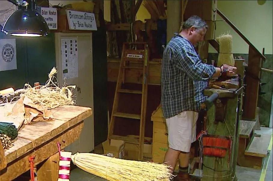 Broom makers 2_682291
