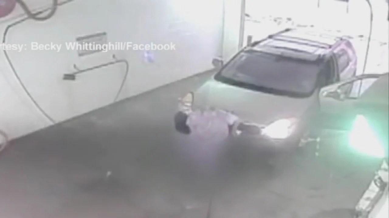 Man uses car wash as bathroom. (Provided Photo_WEHT)_723246