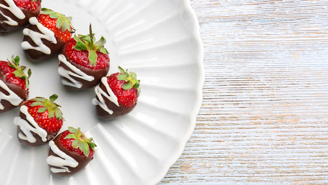 chocolate-covered-strawberries-recipes_1516397866083_334839_ver1-0_32155425_ver1-0_640_360_804633