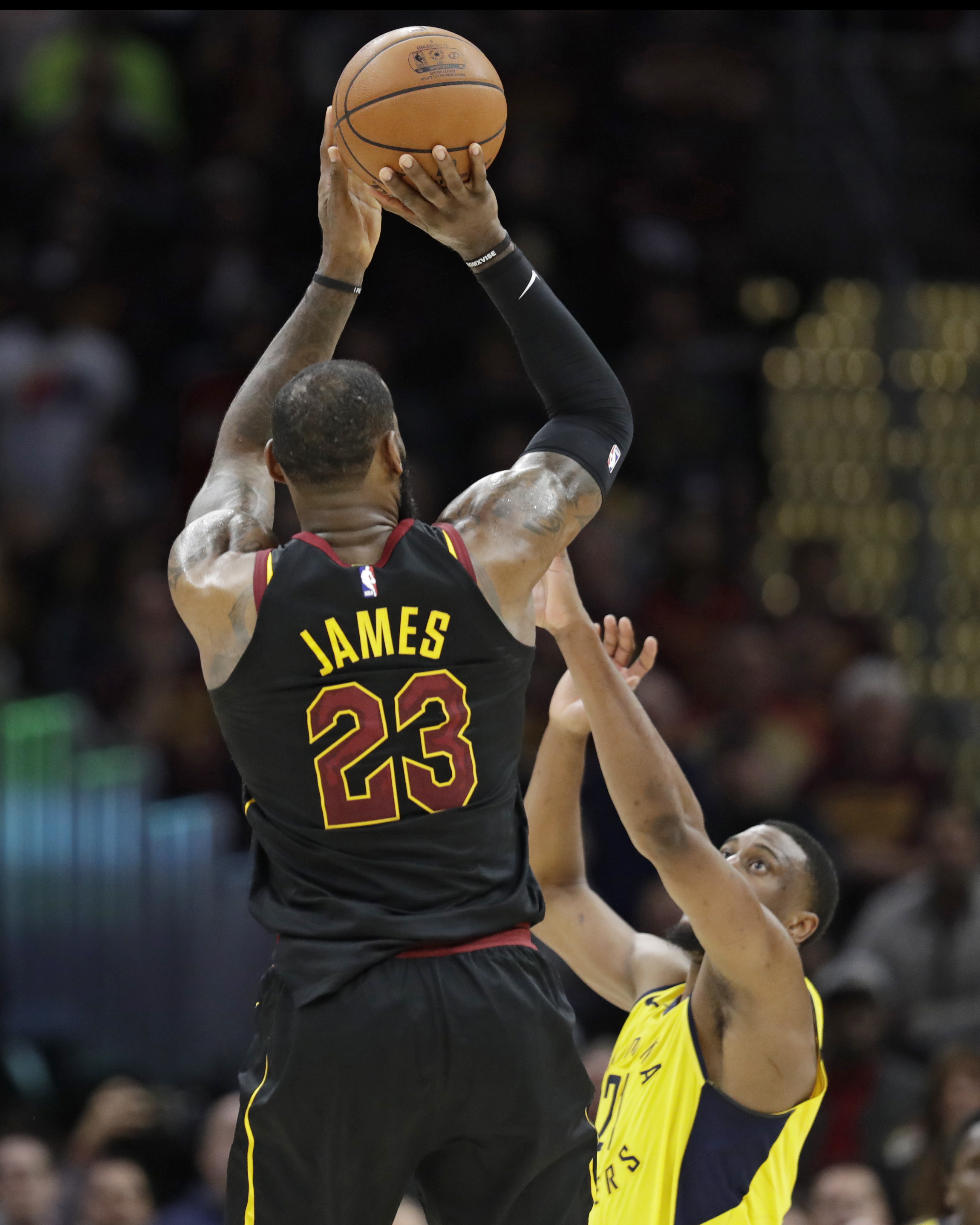 Pacers Cavaliers Basketball_1524708996754