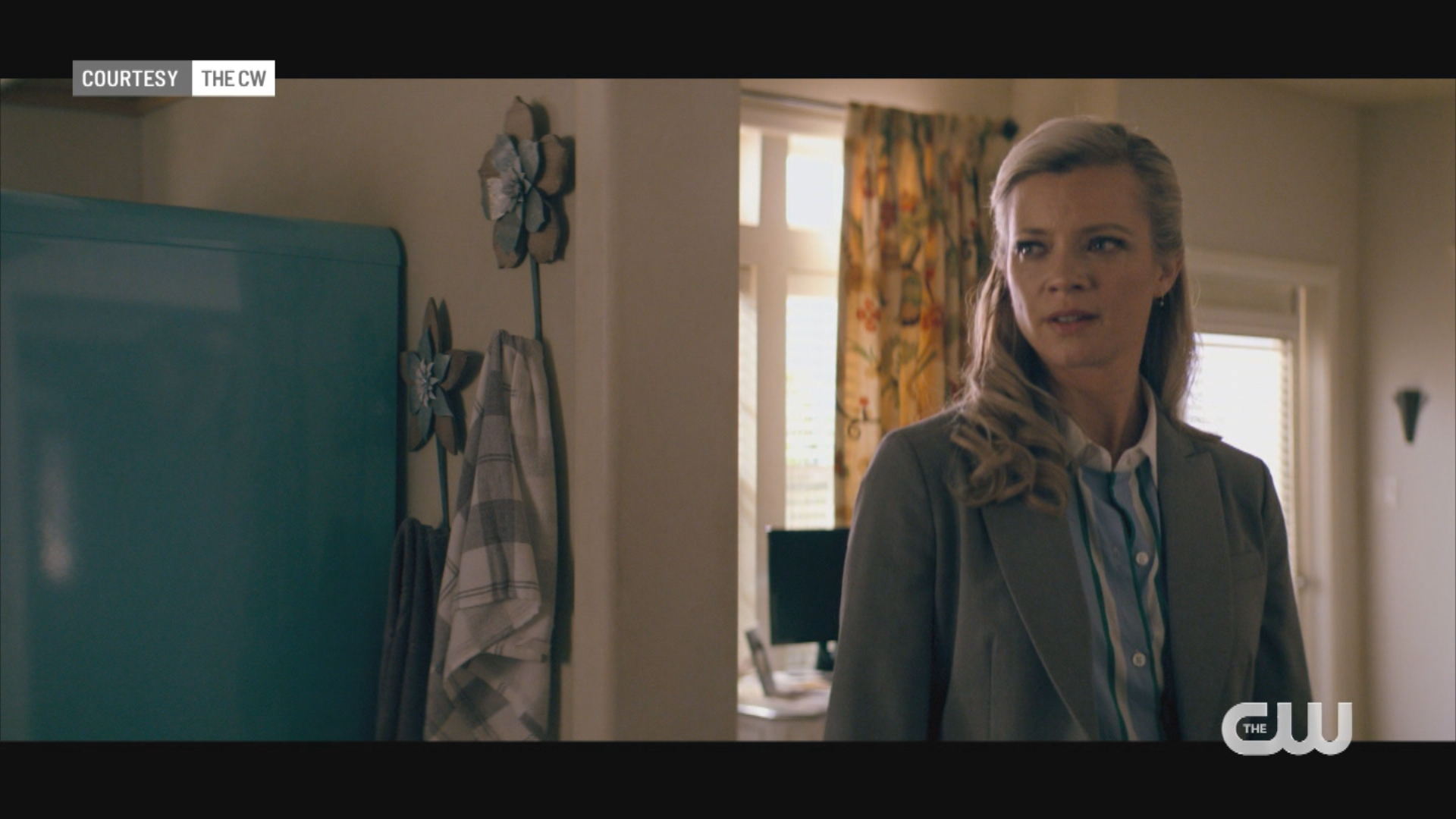 Entertainment Insider: Interview with Amy Smart of CW's 'Stargirl' - WISH-TV   Indianapolis News   Indiana Weather   Indiana Traffic